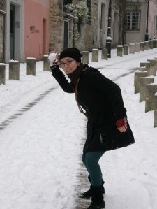 Snowball fighting in Paris