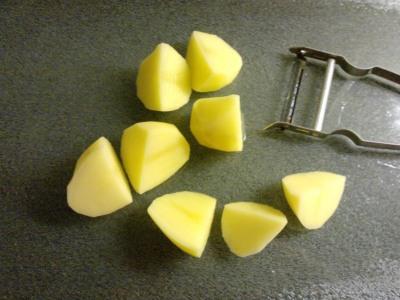 Cut the potatoes